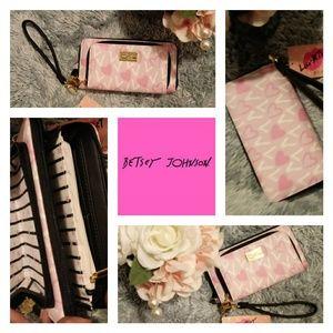 🔸Betsey Johnson🔸 Love design Wallet